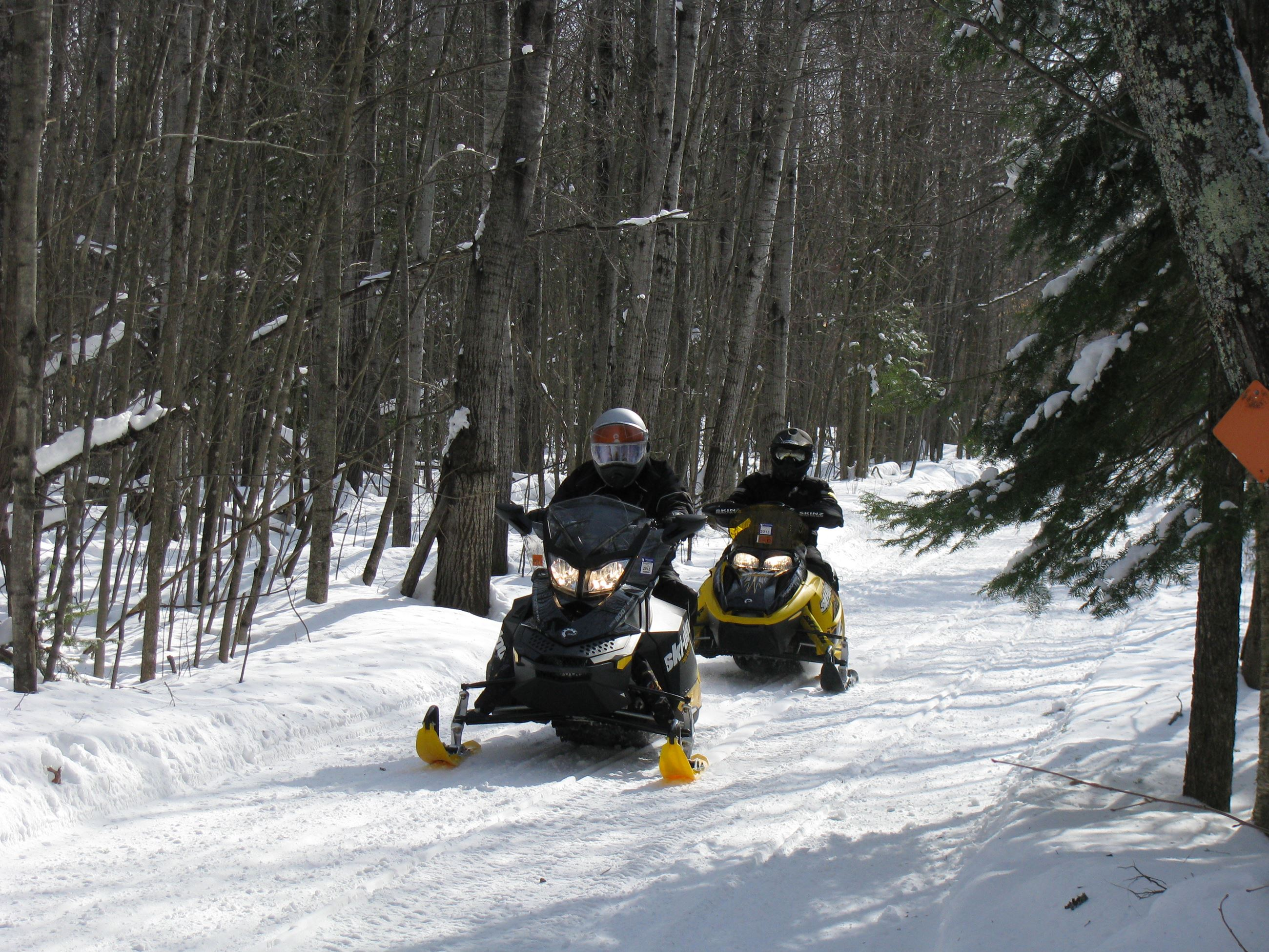 Snowmobiling Scenic Trails p.c. PCTD